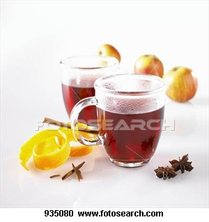 Mulled-wine-glass_~935080